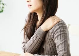 肩痛の写真素材|写真素材なら「写真AC」無料(フリー)ダウンロードOK